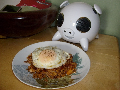 music-piggy-and-egg-dish