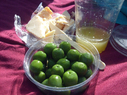 castelvetrano-olives-ewetopia-cheese-and-peach-mango-mimosas