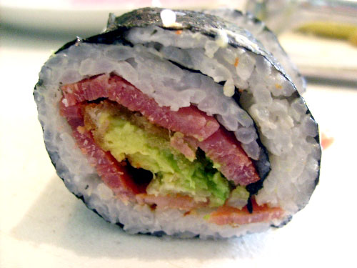 cross-section-of-the-bacon-avocado-sushi