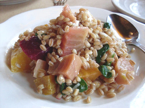 farro-salad-with-beets-and-goat-cheese