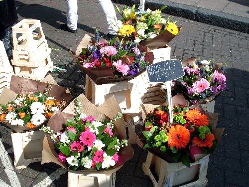 flowers-at-the-market
