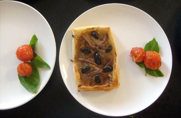 pissaladiere with roasted tomatoes