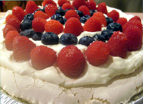 meringue pavlova with raspberries and strawberries