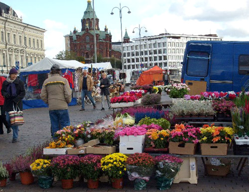 flowers and the russian church from market square