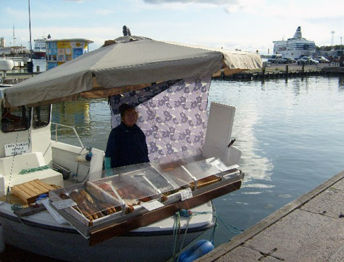 this is sea food. boat vendors!