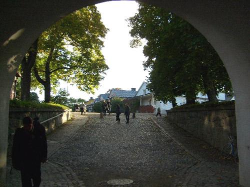 through the tunnel to suomenlinna